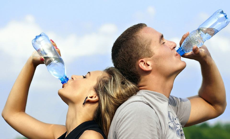 Drinking Water - How To Stay Healthy While Traveling