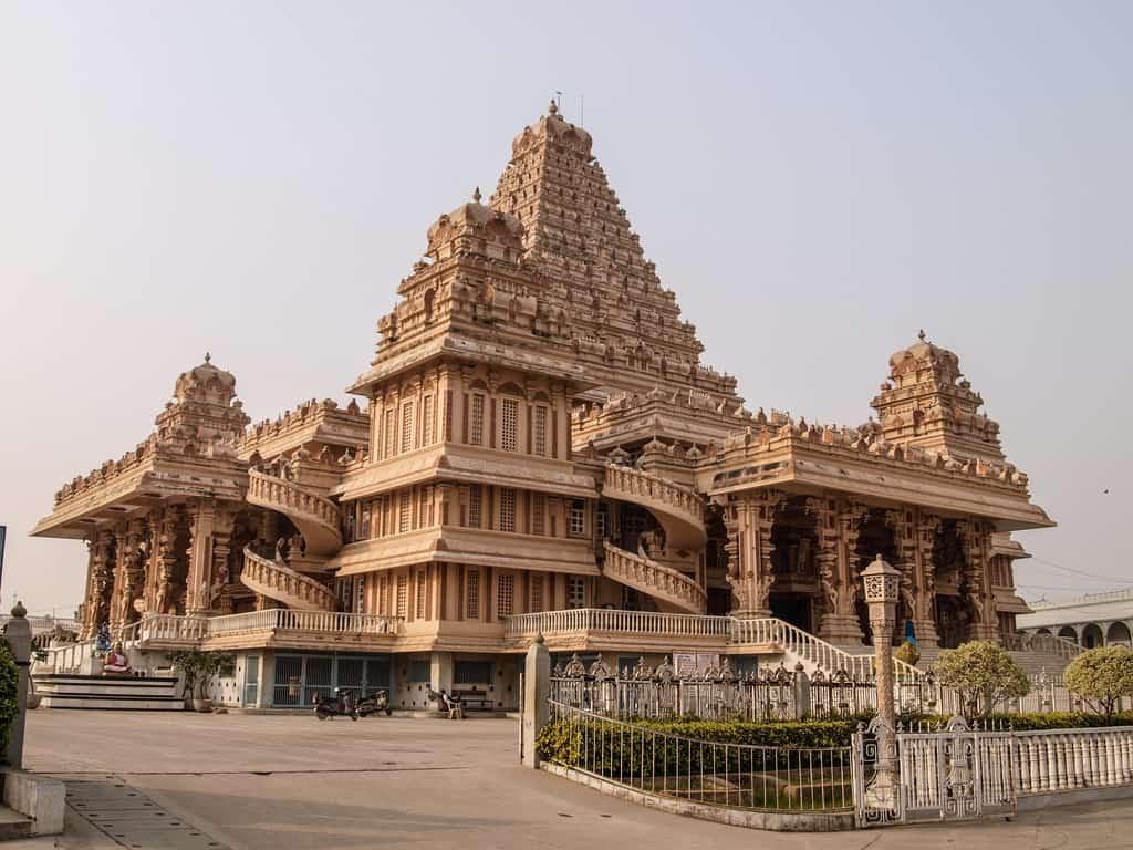 Chhatarpur temple - New Delhi, India