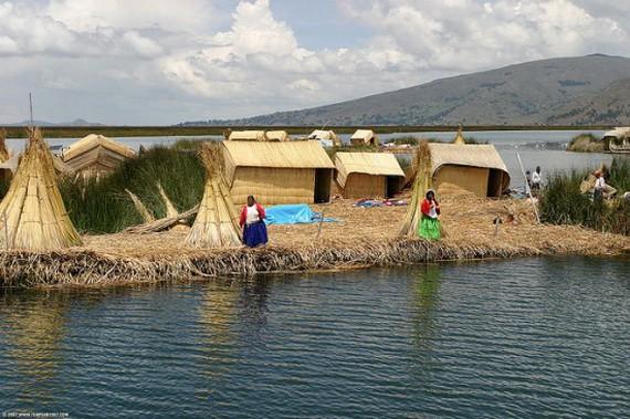 Artificial Islands of Uros, Peru - Man-Made Islands