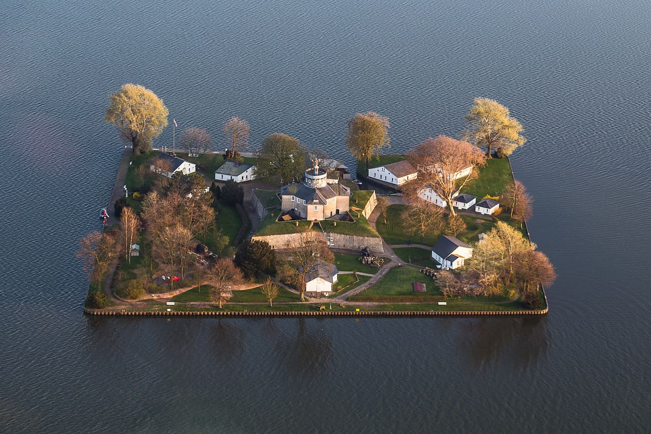 Wilhelmstein (Germany) - Man-Made Islands
