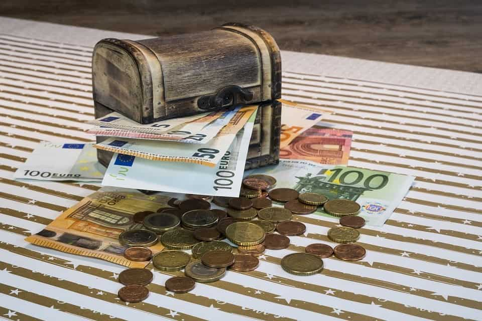 Money, Coins - Foreign Exchange Tips and Tricks