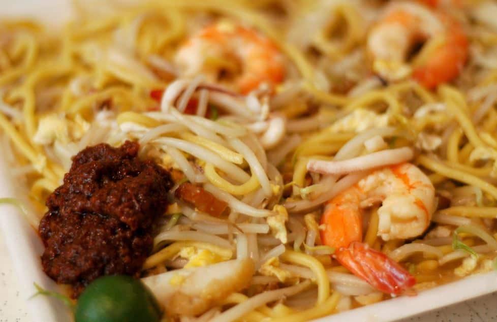 Hokkien Mee - Must Eat Singaporean Dishes