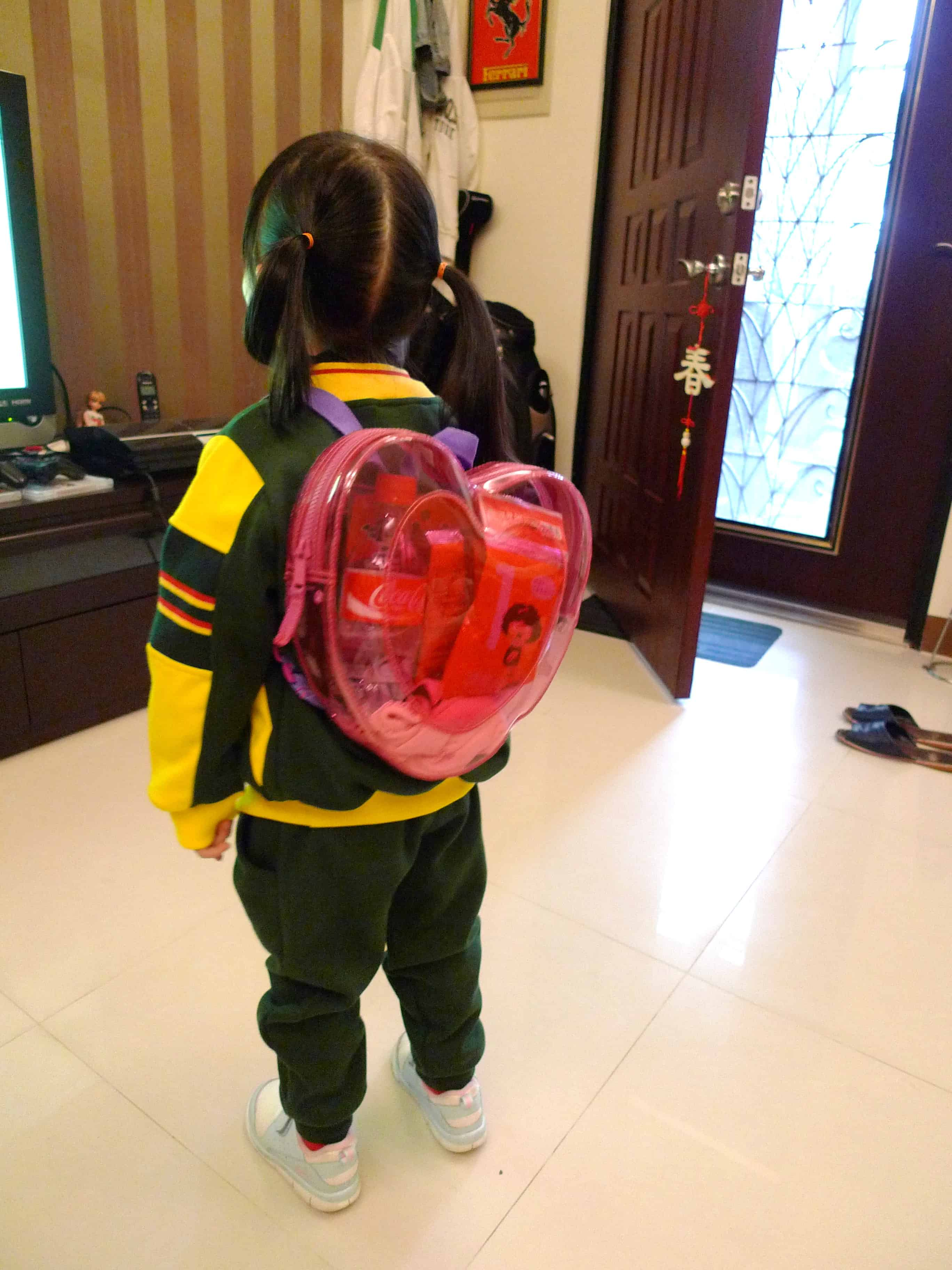 Child with Bag - Best Tips For Traveling With Kids