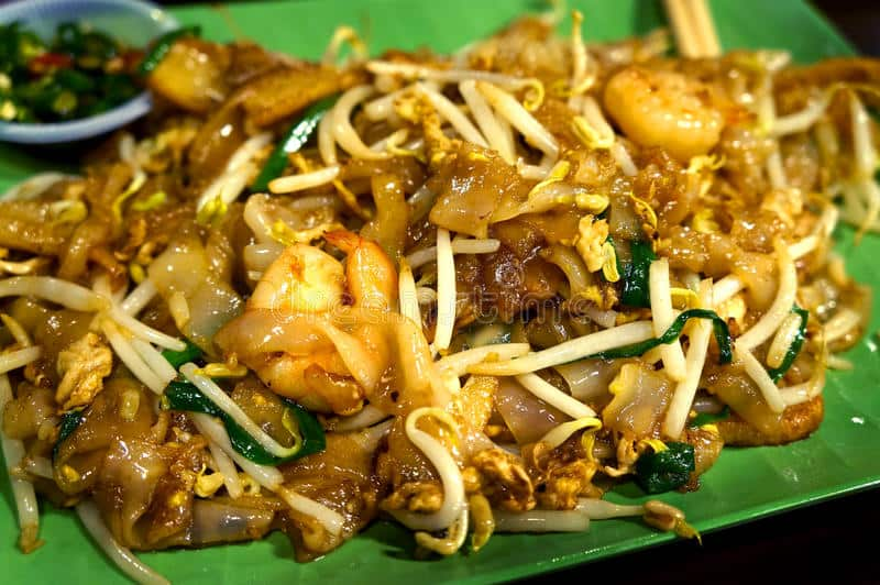 Char Kway Teow - Must Eat Singaporean Dishes