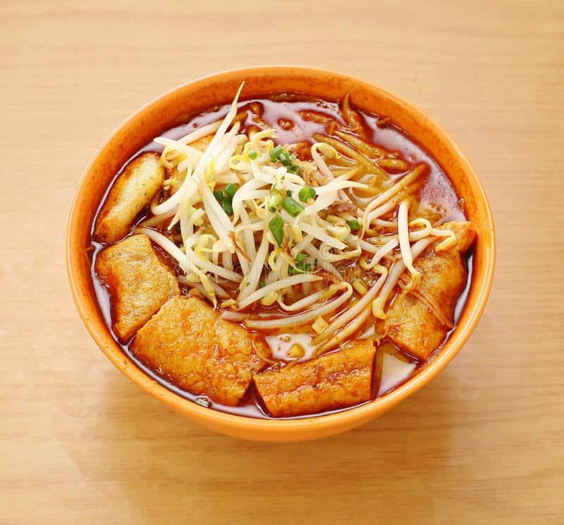 Laksa - Must Eat Singaporean Dishes