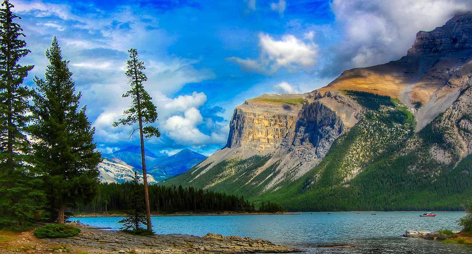 Banff, Canada - Best Family Vacation Destinations