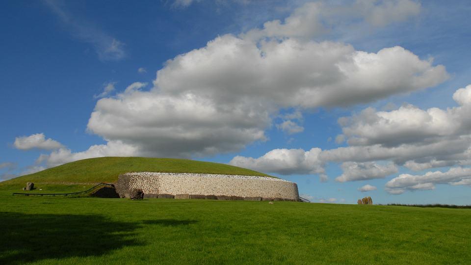 Newgrange - Ireland With Kids