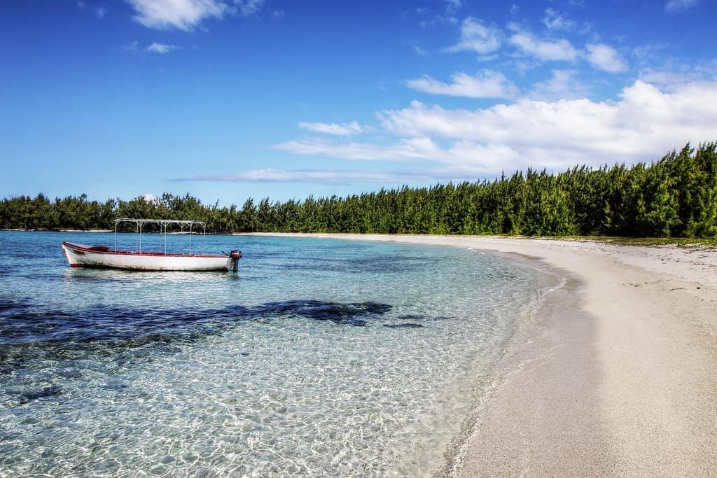 Ile aux Cerfs - Vacation Spots in Mauritius