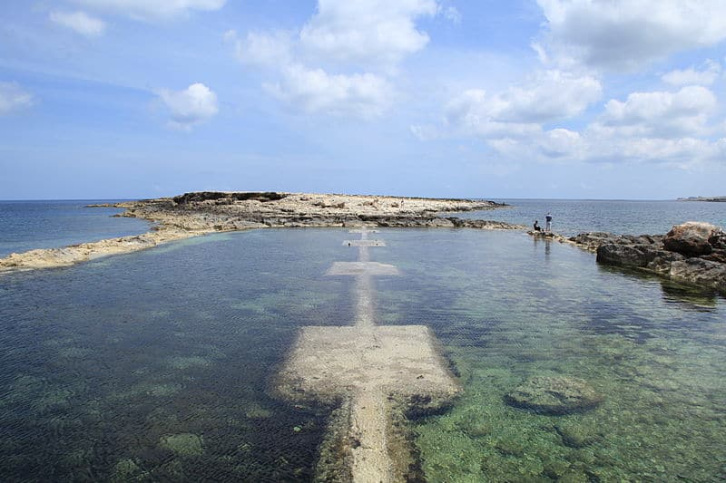 Qawra beach