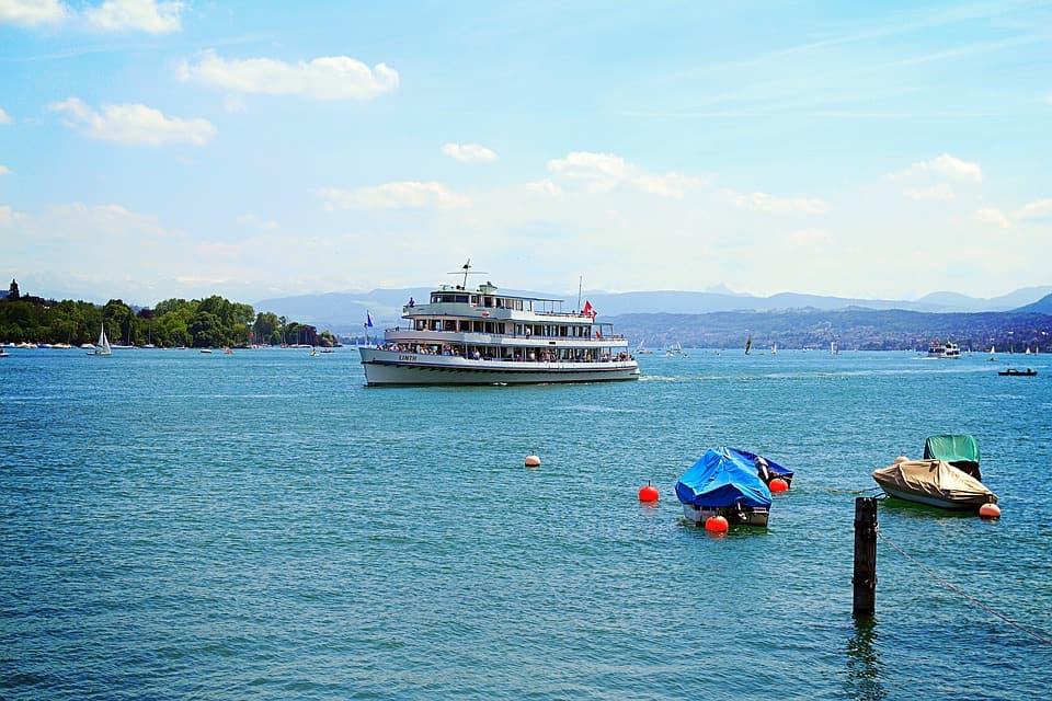 Lake Zurich - Zurich With Kids