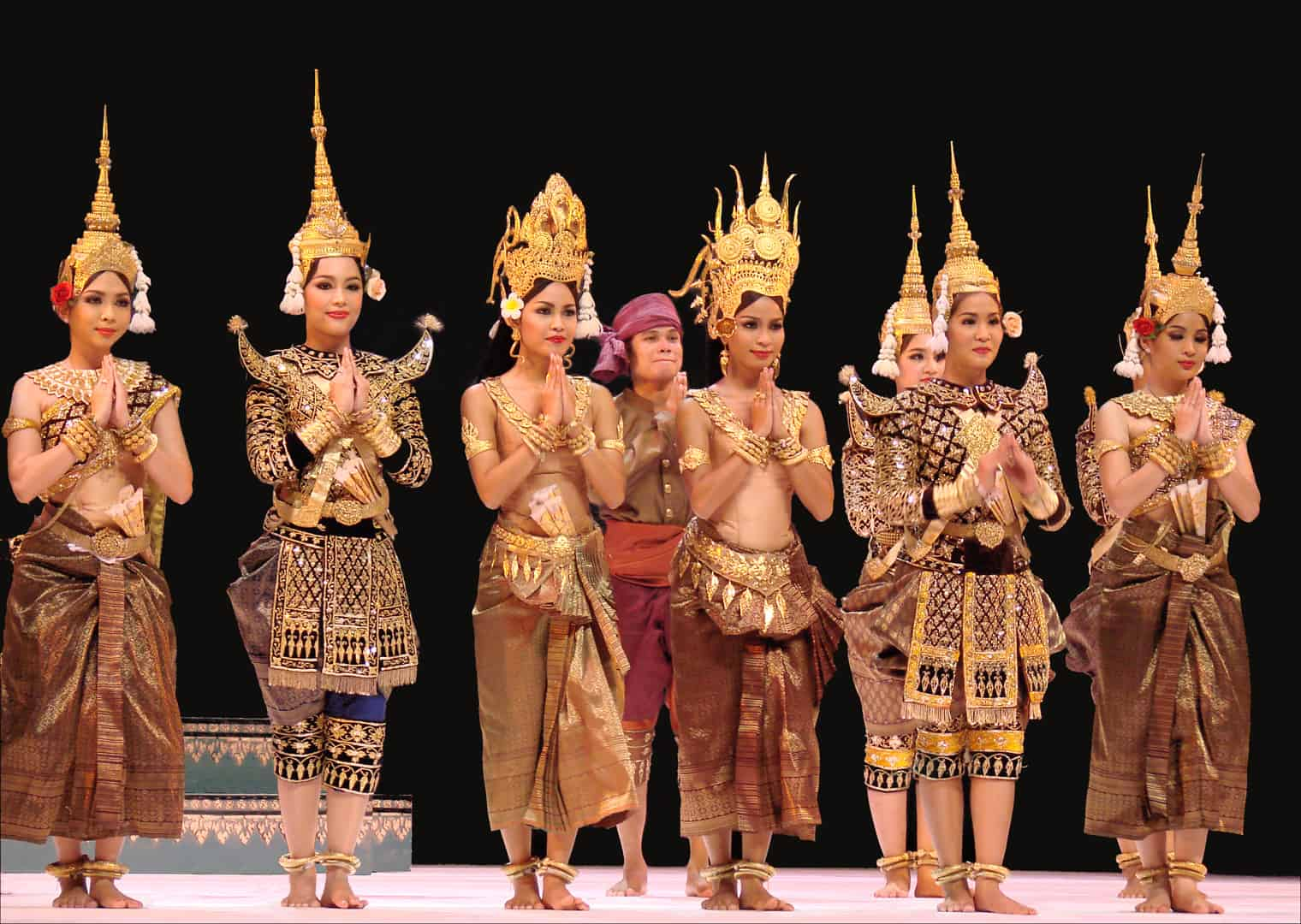 Cambodian dance show - Cambodia With Kids