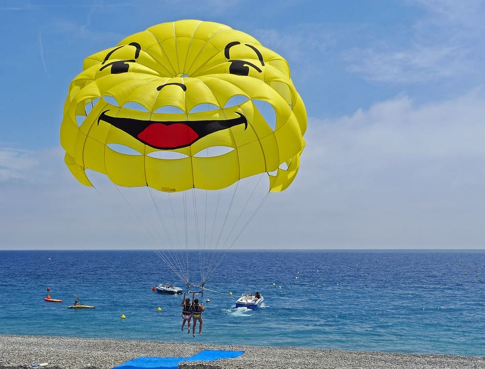 Parasailing - Best Family Vacation With Teens