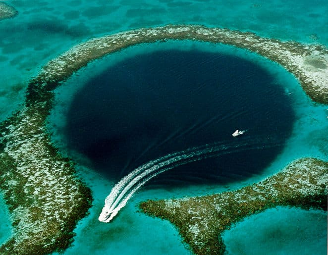 Great Blue Hole, Natural Wonder