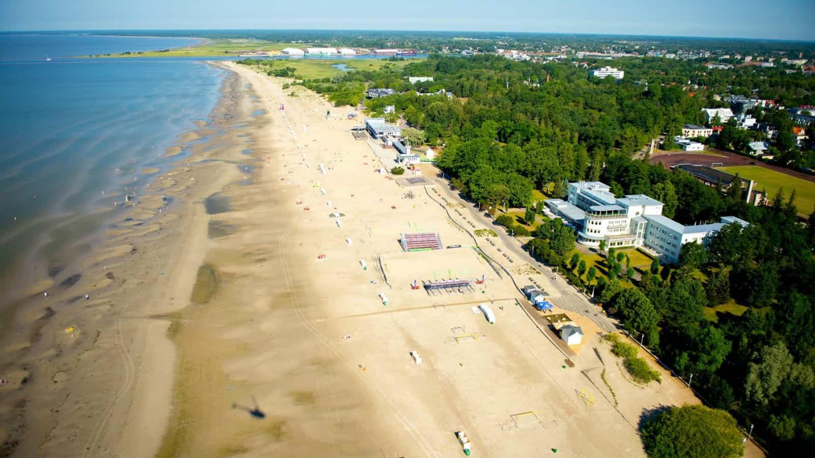 Parnu-Beach-Promenade