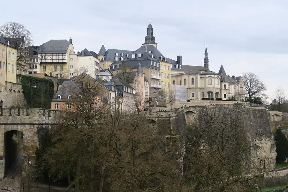 Le Chemin de la Corniche - Luxembourg With Kids