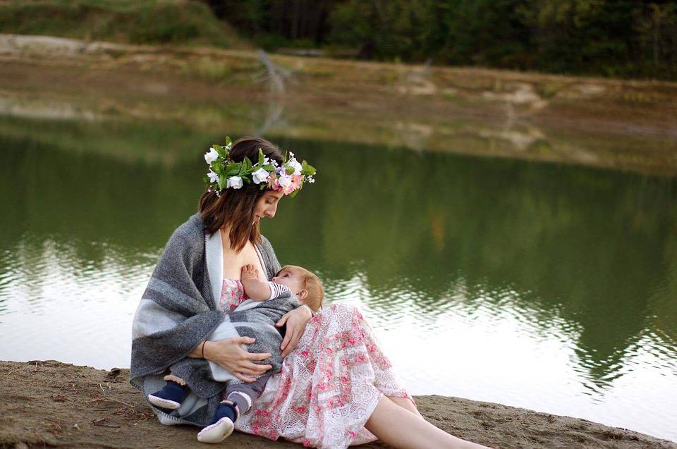 Tips for Traveling with a Breastfeeding Baby