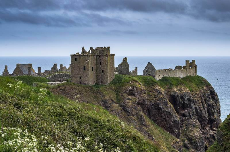 Dunnottar Castle - Abandoned Castles You Can Visit with Kids