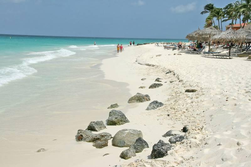Eagle Beach - Aruba with Kids