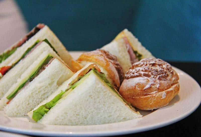 Sandwich - Disneyland and Disney World Food, Water, and Snacks Policy