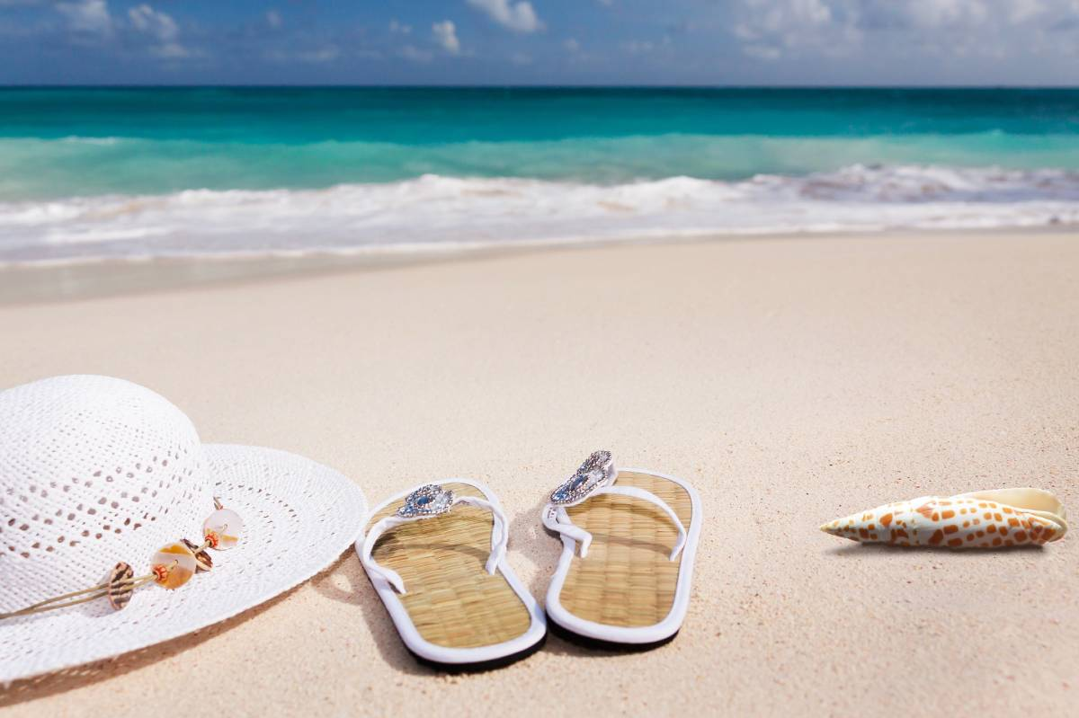 Things You Must Bring to the Beach