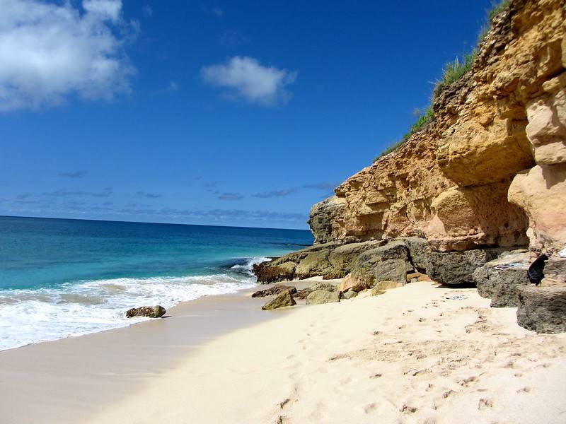 Cupecoy Beach - Best Things to Do and See in Sint Maarten