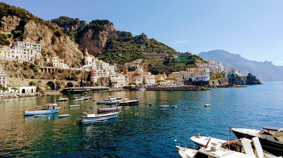 Boat around the Coastline - Amalfi Coast Italy with Kids