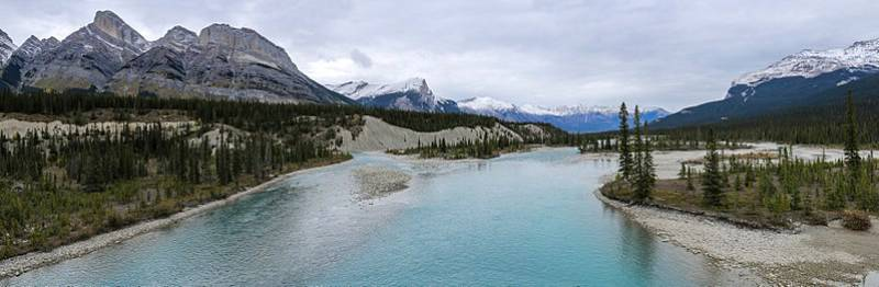 Saskatchewan River Crossing - Canadian Icefields Parkway