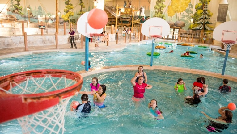 Great Wolf Lodge Wisconsin Dells, Indoor swimming pool hotel near me