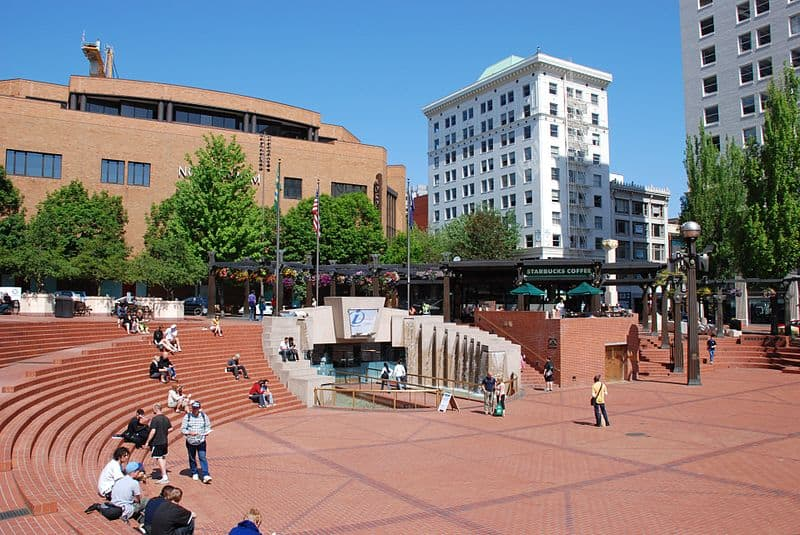Pioneer Courtyard Square - Places to Visit in Portland