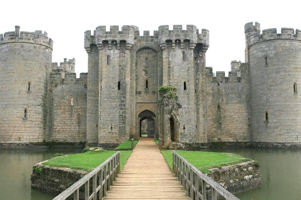 Bodiam Castle - Best Castles to Visit in England