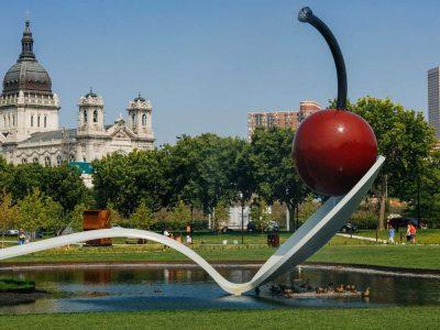 Minneapolis Sculpture Garden- Free Things to Do in Minneapolis, Minnesota