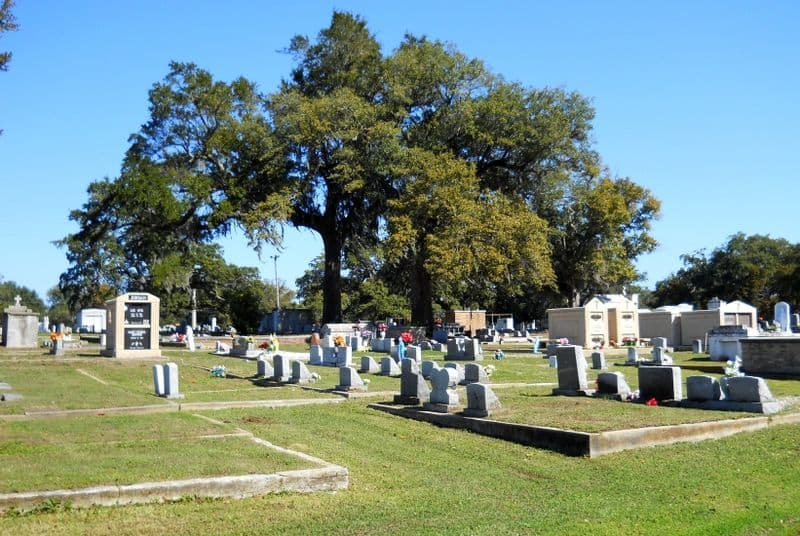 Old Biloxi Cemetery- Free Things to Do in Biloxi, Mississippi