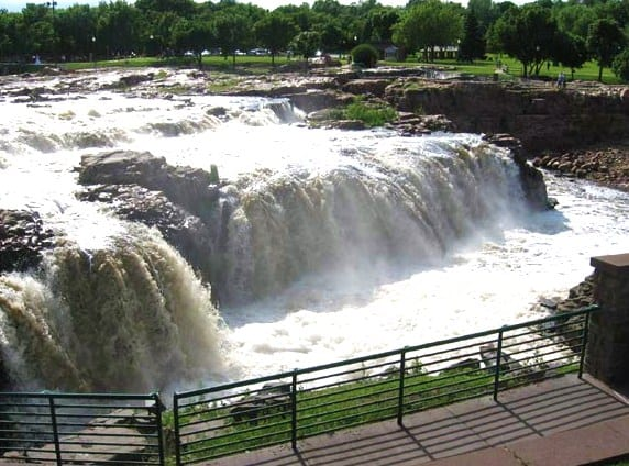 Visit the Falls of the Big Sioux River in Falls Park