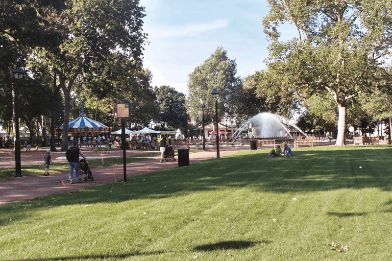 Franklin Square - Free Things to Do in Philadelphia, Pennsylvania