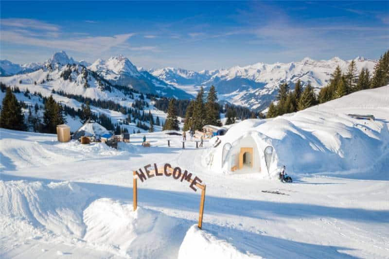 Iglu-Dorf Gstadd, Oberland, Switzerland
