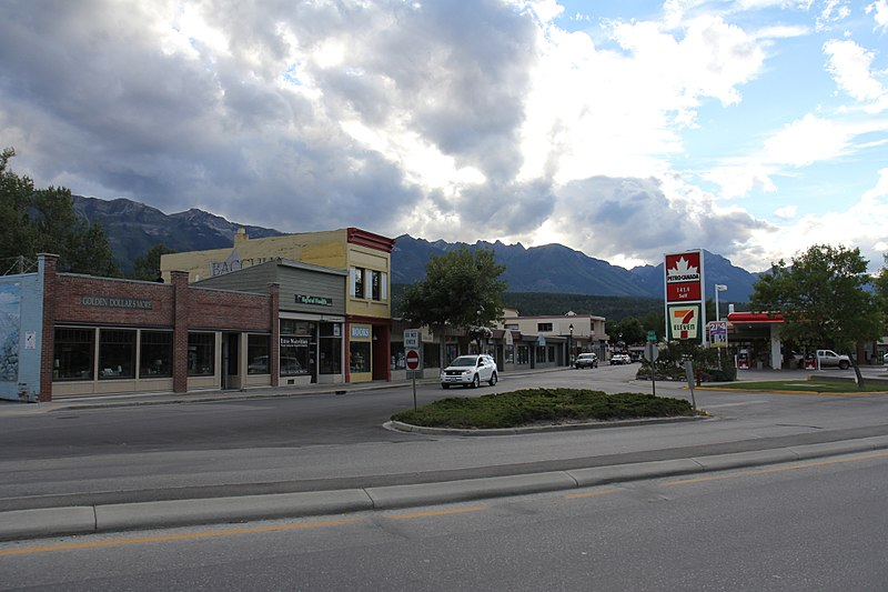 Golden, British Columbia - Best Places to Visit in Canada