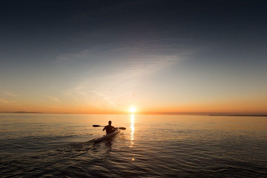 kayaking in lofoten island